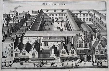 Amsterdam. Vogevlucht van het Tucht- of Rasphuis en omgeving met de voorgrond Heiligeweg 1-21 en links de Kalverstraat