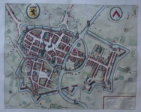 België. Kortrijk. Stadsplattegrond in vogelvluchtperspectief.