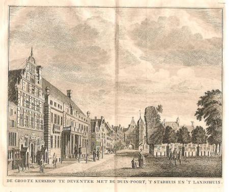 DEVENTER. Grote Kerkhof en Stadhuis.