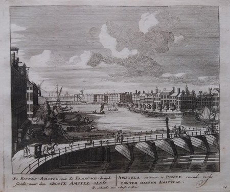 Amsterdam. Binnen-Amstel met Blauwbrug.
